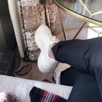 Das Foto wurde bei Empress Lounge von M H. am 7/31/2018 aufgenommen
