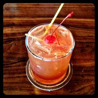 4/18/2014にSean G.がBob's Olde Chicago Barで撮った写真