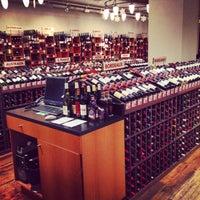 Foto tirada no(a) Union Square Wines & Spirits por Denise B. em 2/14/2014