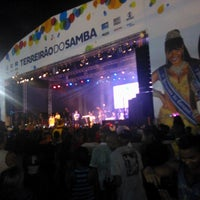 Photo taken at Terreirão do Samba by Esteyce D. on 3/4/2014