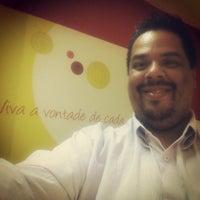 Photo taken at Restaurante Vitrines by Fernando L. on 10/1/2013