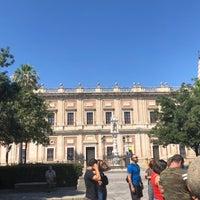 7/24/2018 tarihinde Erika W.ziyaretçi tarafından 383. Cathedral, Alcázar and Archivo de Indias in Seville (1987)'de çekilen fotoğraf