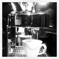 3/2/2014 tarihinde Agah U.ziyaretçi tarafından Twins Coffee Roasters'de çekilen fotoğraf