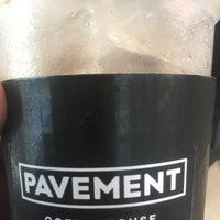 Das Foto wurde bei Pavement Coffeehouse von Bilal P. am 10/29/2017 aufgenommen