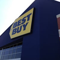 Photo taken at Best Buy by James B. on 5/18/2013