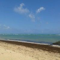Foto tirada no(a) Praia da Garça Torta por Cristiano C. em 1/4/2013