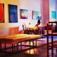 Foto tomada en Wynwood Cafe por Alex d. el 10/4/2013