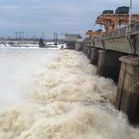 Снимок сделан в Плотина Иваньковской ГЭС пользователем Алексей П. 4/21/2013
