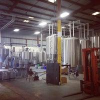 7/14/2013에 Joel L.님이 Modern Times Lomaland Fermentorium에서 찍은 사진