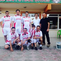 Photo taken at Laliga Kapalı Halı Saha by Yunus A. on 6/16/2014