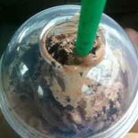 Снимок сделан в Starbucks пользователем Jay B. 7/11/2013