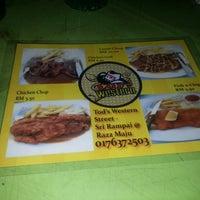 Photo taken at Restoran Razz Maju by nadya d. on 3/4/2014