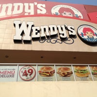Photo taken at Wendy's by Milo0o B. on 5/7/2013