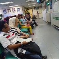 Photo taken at Jabatan Imigresen Malaysia by Saallaluna R. on 12/12/2013