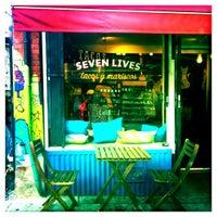 Foto tirada no(a) Seven Lives Tacos Y Mariscos por Angie R. em 5/3/2013