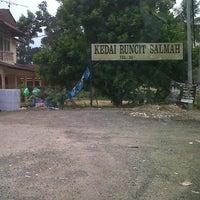 Photo taken at Kedai Runcit Salmah by Luqman I. on 8/18/2013