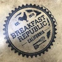รูปภาพถ่ายที่ Breakfast Republic โดย Aylinn K. เมื่อ 10/12/2018