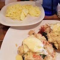Foto tomada en Folk Art Restaurant por Sunny S. el 7/8/2017
