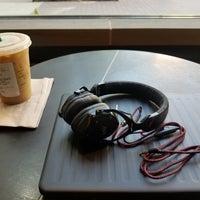 4/18/2018 tarihinde Sunny S.ziyaretçi tarafından Starbucks Reserve'de çekilen fotoğraf