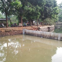 Photo taken at Situ Sawangan by BUKAN I. on 9/11/2014