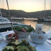 Foto scattata a Fethiye Yengeç Restaurant da Taha A. il 7/15/2018