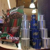 Photo taken at Garrett Popcorn Shops by PoplatakoM on 12/28/2017