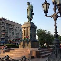 Снимок сделан в Пушкинская площадь пользователем Svetlana L. 5/12/2013