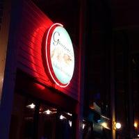 Photo prise au Gamberetti's Italian Restaurant par Ebtehal A. le9/18/2014
