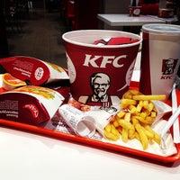 Снимок сделан в KFC пользователем Kristi V. 11/25/2013