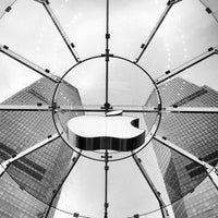 Photo taken at Apple Store by Lawrence Wang 王. on 2/1/2013