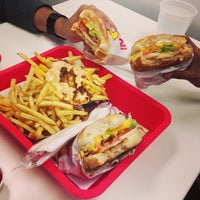 Photo taken at In-N-Out Burger by Robin S. on 4/17/2013