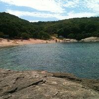 Foto tirada no(a) Praia do Forno por Andrea A. em 1/20/2013