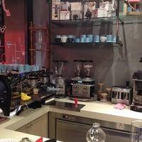 11/23/2014 tarihinde Didem Ö.ziyaretçi tarafından Coffee Brew Lab'de çekilen fotoğraf