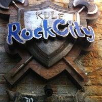 Das Foto wurde bei Kule Rock City von Ali C. am 7/20/2013 aufgenommen