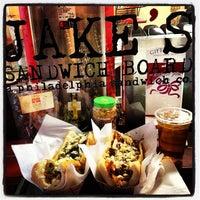 Foto tirada no(a) Jake's Sandwich Board por Stacey M. em 1/9/2013