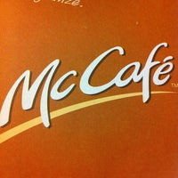 Foto tirada no(a) McDonald's por Jhackie D. em 3/25/2013