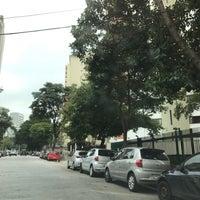 Das Foto wurde bei Praça Monteiro dos Santos von Sinha L. am 5/17/2017 aufgenommen