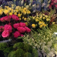 Photo taken at Sunny's Florist by Andrea H. on 9/27/2014