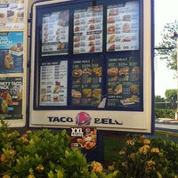Photo taken at Taco Bell by Nissa W. on 5/9/2013