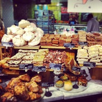 4/7/2013 tarihinde Cheryl G.ziyaretçi tarafından Whole Foods Market'de çekilen fotoğraf