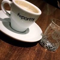 7/25/2018 tarihinde Ayhan G.ziyaretçi tarafından The Port Cafe'de çekilen fotoğraf