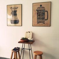 3/23/2018 tarihinde Çiğdemziyaretçi tarafından Kamarad Coffee Roastery'de çekilen fotoğraf