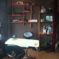 Снимок сделан в Turnarounds Salon And Day Spa пользователем Kayla F. 4/19/2013