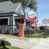 Das Foto wurde bei Stackhouse Burgers von Mike D. am 11/5/2011 aufgenommen