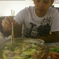 Photo taken at Hot Pot Inter Buffet by Ying T. on 11/13/2011