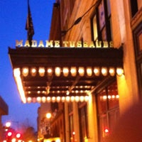 Photo taken at Madame Tussauds by Djimon R. on 3/9/2013