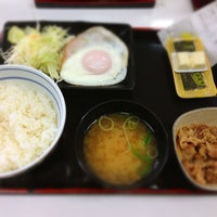 Photo taken at 吉野家 寺田町駅前店 by たーはん on 8/14/2014