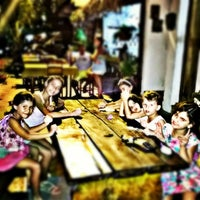 Photo taken at Pizzeria Itália by Armando E. on 7/6/2014