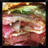 3/26/2013 tarihinde Case A.ziyaretçi tarafından The Sandwich Guy'de çekilen fotoğraf