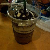 Photo taken at Starbucks by Pangeran Bebeek on 3/13/2013